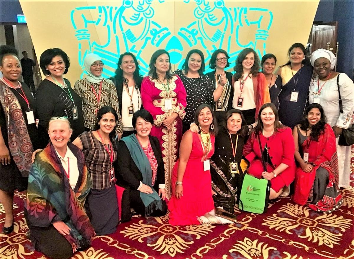 EVALCOLOMBO Female MPs with other female representatives